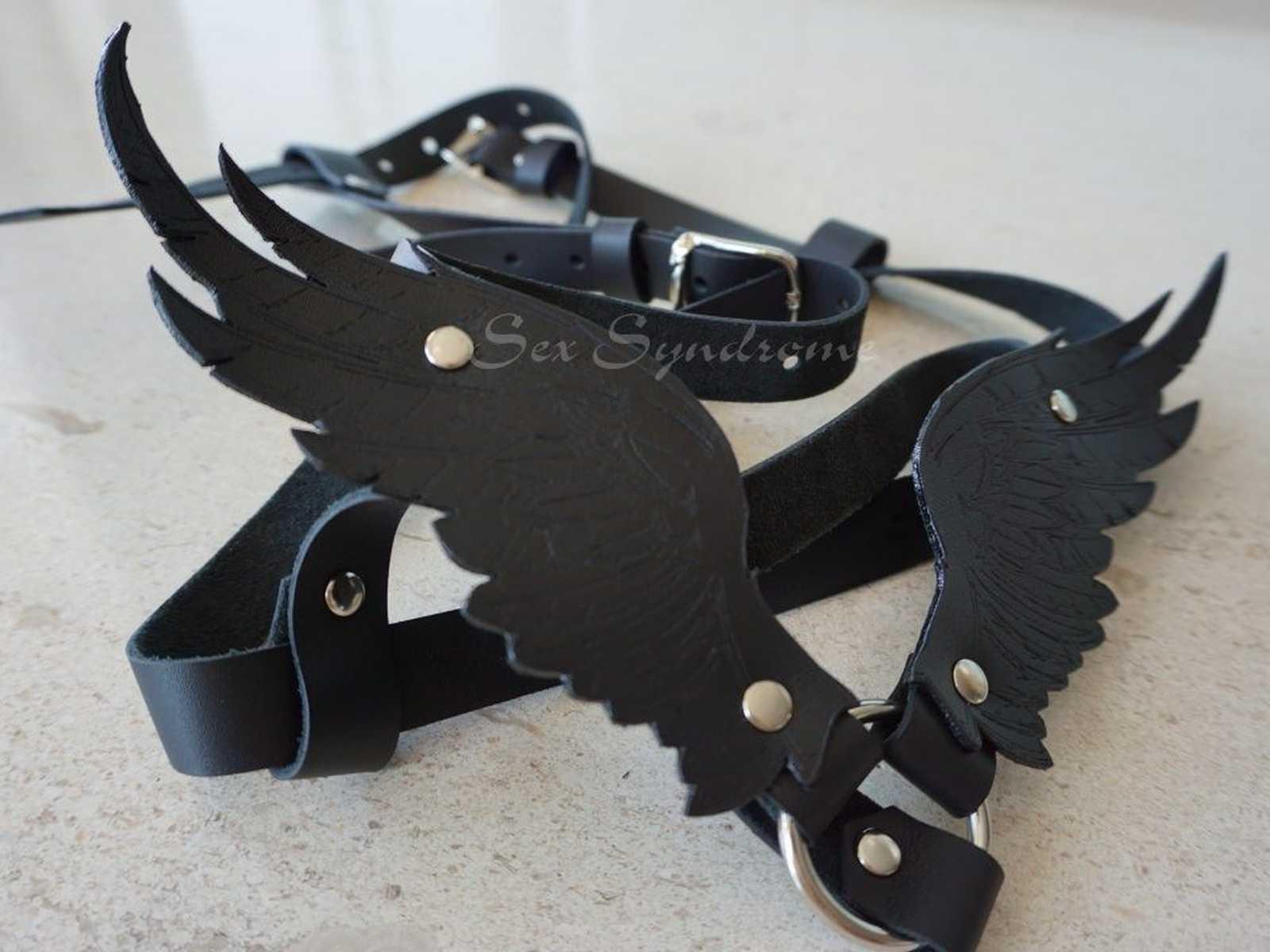 Harness Flügel mittelgroß mit Gravur für Damen