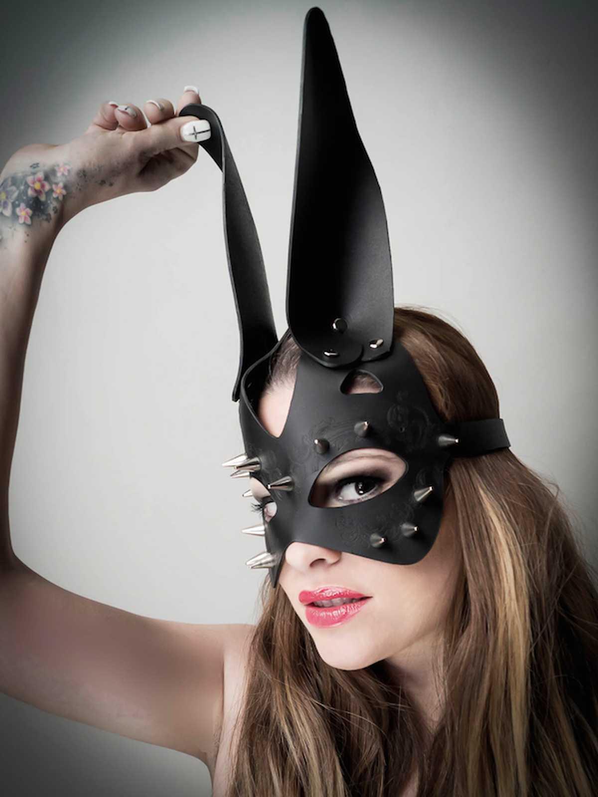 Ledermaske Hase mit Dornen Accessoire Sex Zubehör