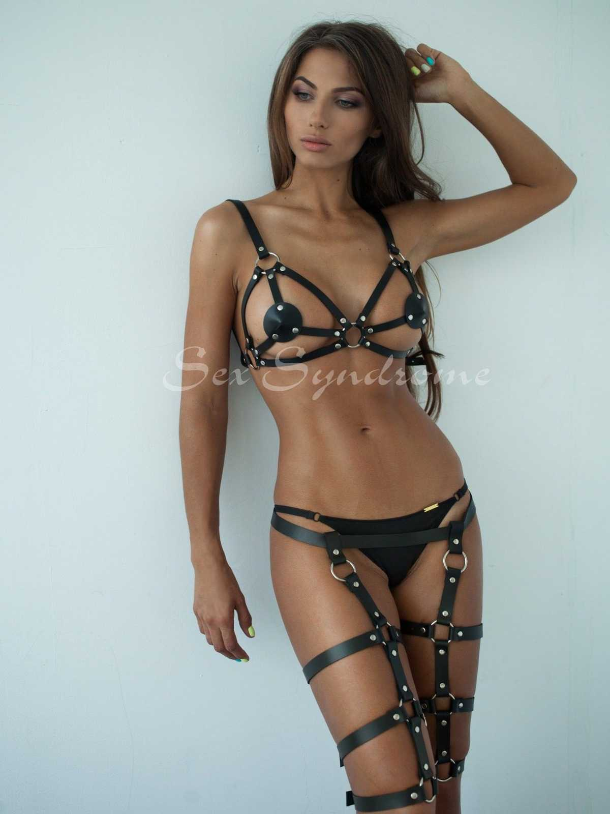 Leather harness triple