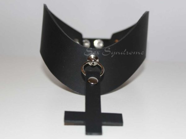 Choker with cross sexy fetish accessoire